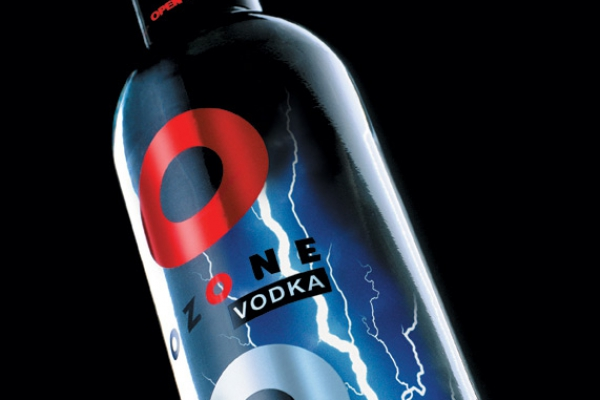 photostudio-fotoprojektai-vodka-ozone-tilt-view5A989C92-30AF-48F3-9555-F47E0A595561.jpg